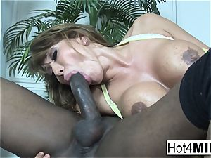 Ava Devine takes a bbc up her culo