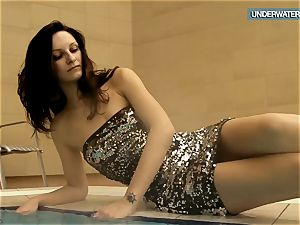 Loris blackhaired nubile swirling in the pool