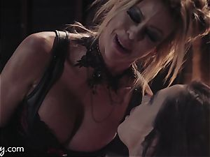 Girlsway Wastelands: sensation Bot Alexis Fawx has threeway