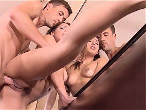 Pint sized Sara Luvv screws her fathers pal