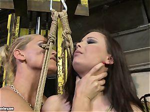 Kathia Nobili whip the tongue of sweetie female