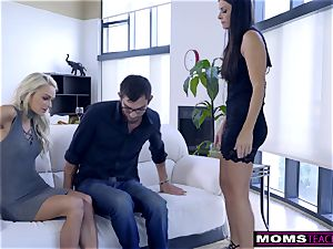 mommy drills sonnie And licks internal ejaculation For Thanksgiving treat