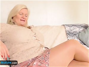 EuropeMaturE Solo big-chested grandmas Compilation