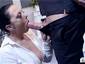 asses BUERO - spectacular German mummy bangs boss at the office