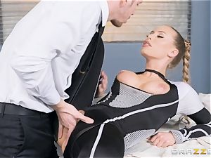 Nicole Aniston gets a facial cumshot after a hard deep tear up