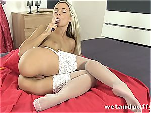 Dido angel sizzling in milky pantyhose