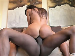 LiveGonzo Lisa Ann jummy multiracial buttfuck cougar