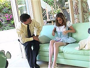 dirty maid Jenna Haze dies for meatpipe in her clean-shaved vulva