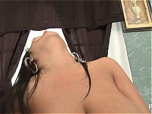 Jaylene Rio juggles her huge tits