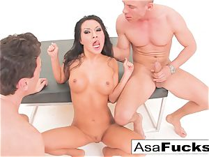 Asa Akira has a super-steamy anal 3some