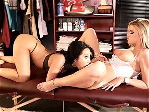 Asa Akira and Jessa Rhodes ultra-kinky muff slurping action