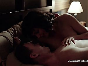 amazing Morena Baccarin looking luxurious naked on film