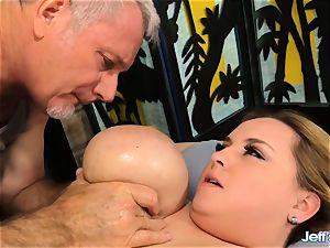 bbw Nikky wilder sated by a masseur