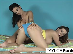 Taylor Vixen determines To have fun With Jelena