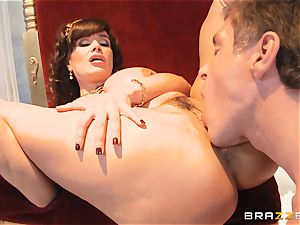 luscious cougar Lisa Ann is queen of special poking