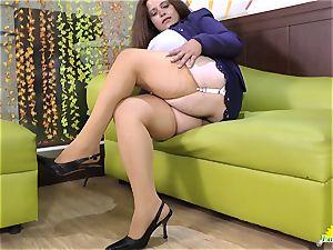 LATINCHILI Rosaly is masturbating her fat mexican granny