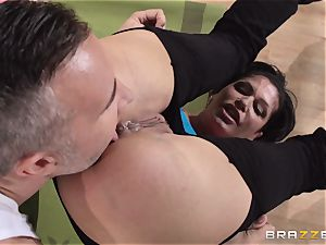 Shay Fox gets her virgin backside nailed for the first-ever time