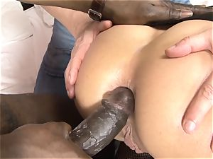 Invited a stranger cuckold trainer to nail blonde wife