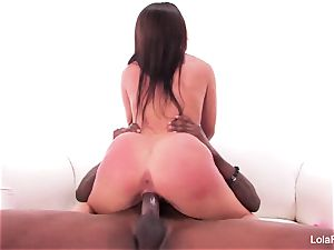 Lola Foxx gets drilled by hefty dark-hued pipe