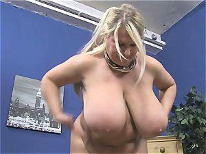 Samantha Sanders displays curves