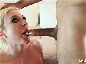Leya Falcon wants her culo torn up firmer