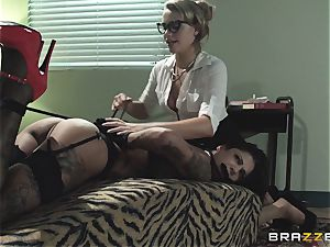 Mia Malkova taken to the dark side by Bonnie Rotten