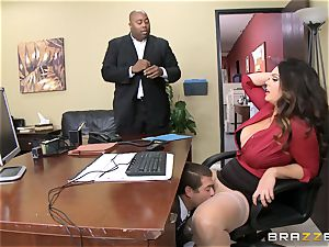 Alison Tyler gets her chubby cunt dicked in the office