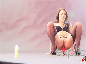 French crank sweetheart anal and peeing