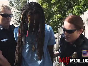 Rhasta criminal gargles on mummy cops cooters before smashing them